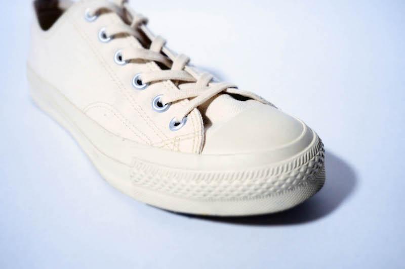 そしてムーンスターの靴の特徴は何と言っても柔らかいゴムのアウトソールです。