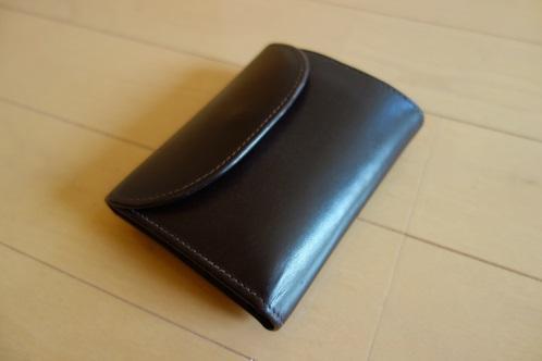 huge selection of 4f52c c9d0a ホワイトハウスコックスの三つ折り財布はオンオフ使用できる逸品 ...